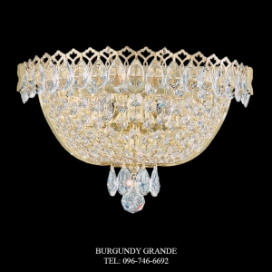 Camelot 2610, Luxury Classic Crystal Wall Lamp from Schonbek, America